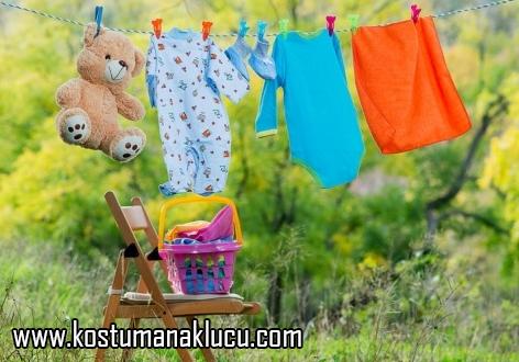 mencuci-pakaian-bayi-l
