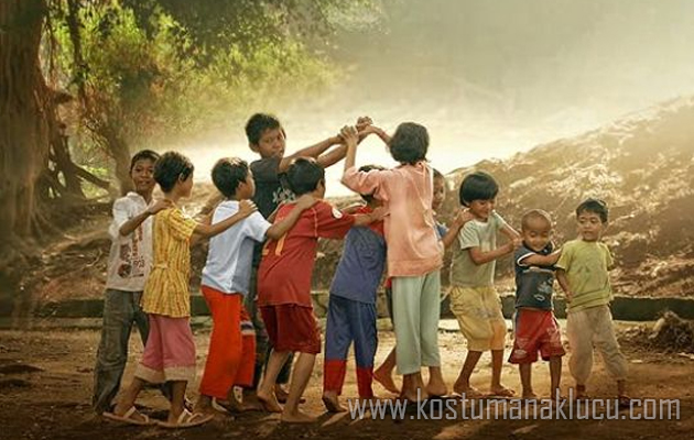 Mengetahui Dunia Anak, Bermain