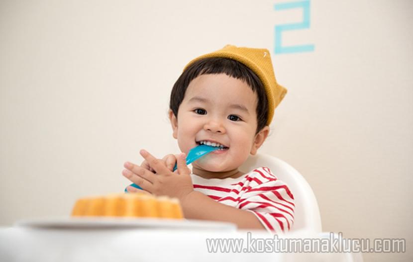 Ini Cara Sambut Momen Pertama Anak Makan