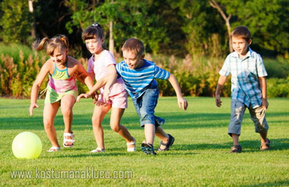 Kenapa Anak-Anak Perlu Resiko, Rasa Takut, Serta Keriangan Saat Bermain